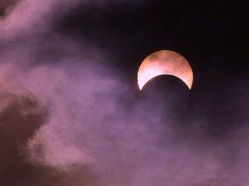640px-Eclipses_sun